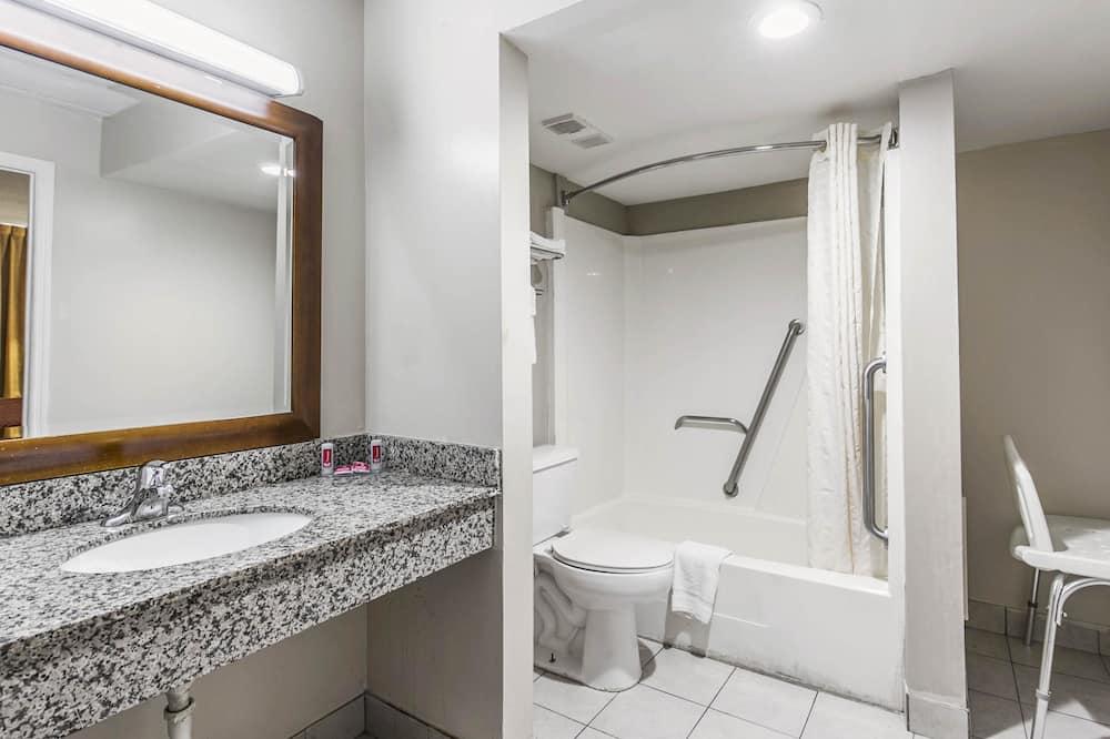 Soba, 1 king size krevet, pristup za osobe s invalidnošću, za pušače (Efficiency) - Kupaonica
