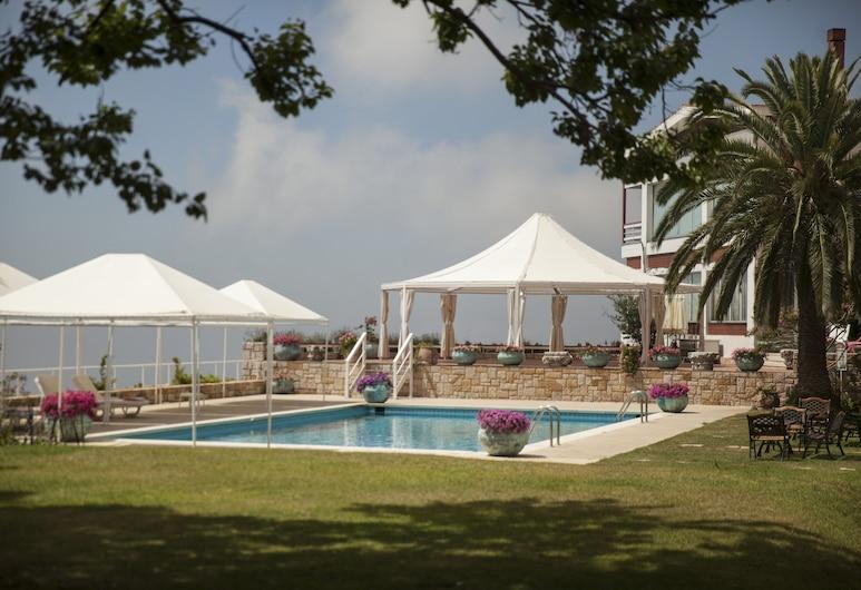 Al Bustan Hotel & Spa, Beit Mery, Exterior