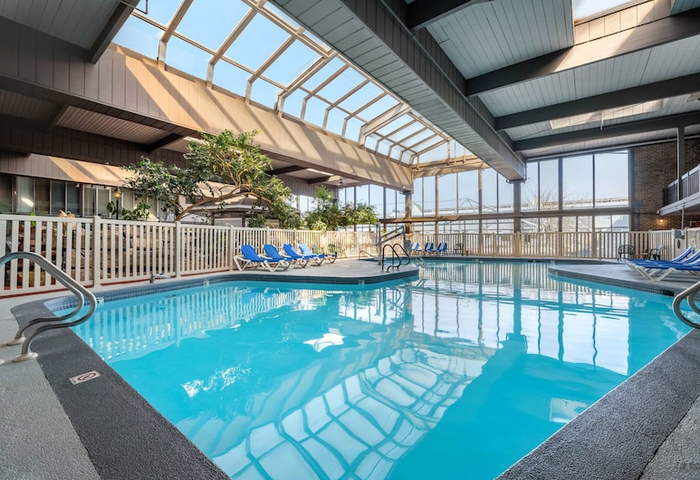 Clarion Hotel & Conference Center Harrisburg West, New Cumberland, Medence