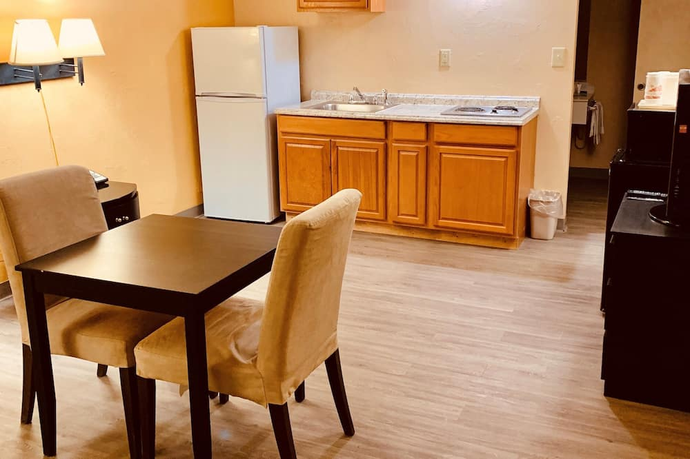 Suite, 2 Double Beds, Non Smoking (1 Bedroom) - Living Room
