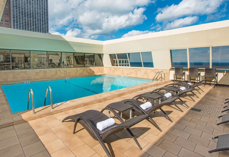 Hampton Inn Chicago Downtown/Magnificent Mile, Chicago, Pool