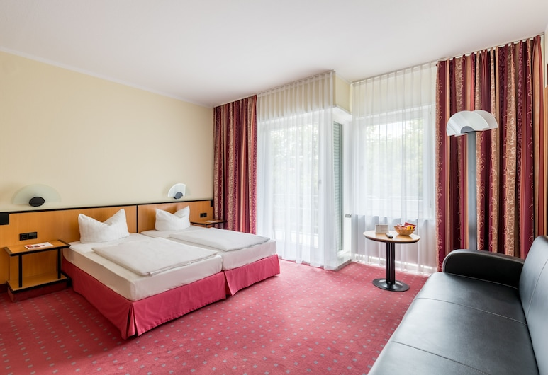 AZIMUT Hotel Dresden, Dresden, Superior Double Room, Guest Room