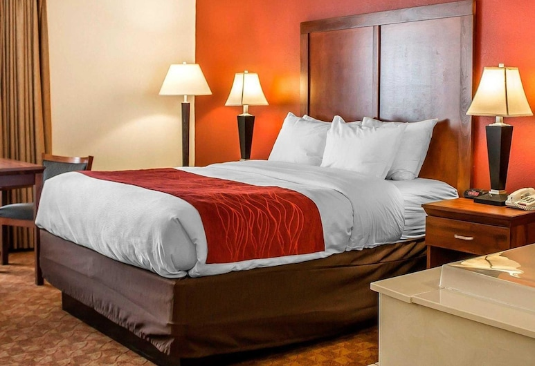 Comfort Inn Lima, Lima, Standard Room, 1 Queen Bed, Non Smoking, Jetted Tub, Guest Room