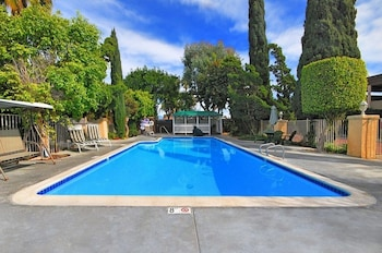 Fotografia hotela (Super 8 by Wyndham Costa Mesa/Newport Beach Area) v meste Costa Mesa