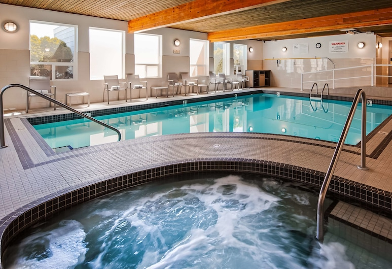 Best Western Plus Country Meadows Inn, Langley, Piscina