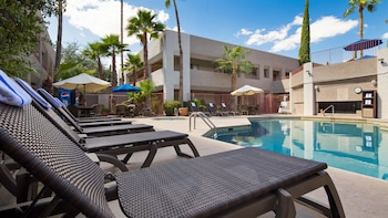 Picture of Best Western InnSuites Tucson Foothills Hotel & Suites in Tucson