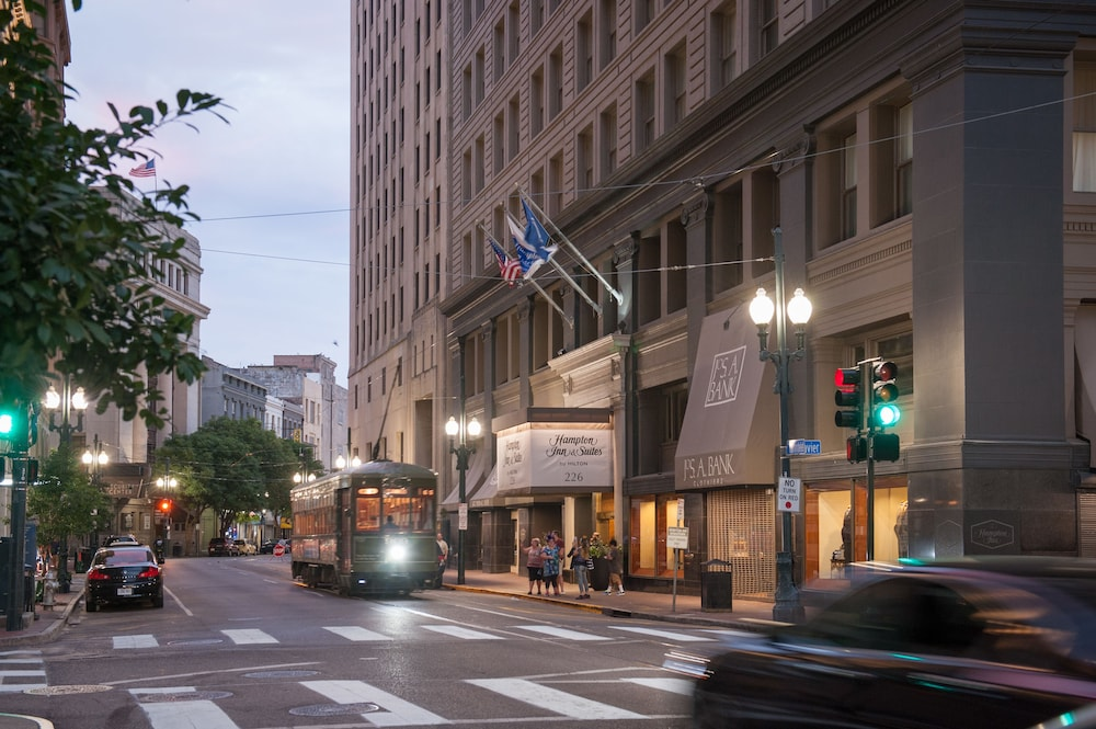 Book Hampton Inn Suites New Orleans Downtown French Quarter Area In Hotels