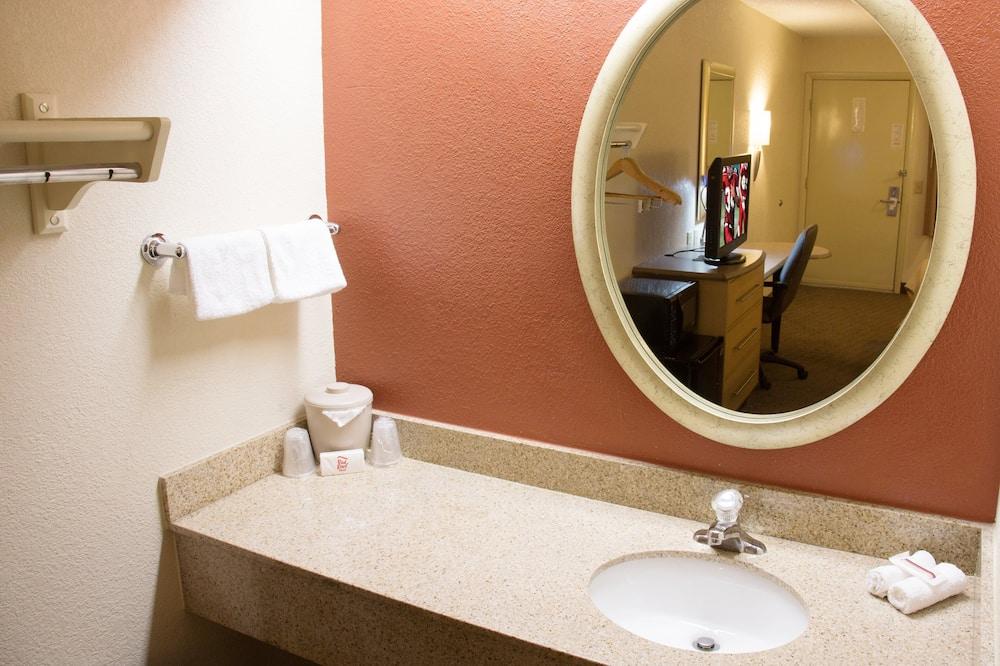 Phòng Superior, 1 giường cỡ king (Smoke Free) - Phòng tắm