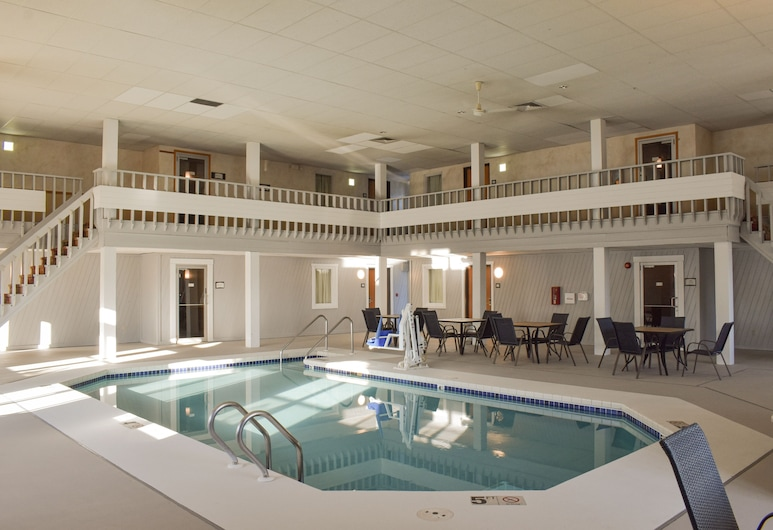 Quality Inn, Mauston, Piscina Interior