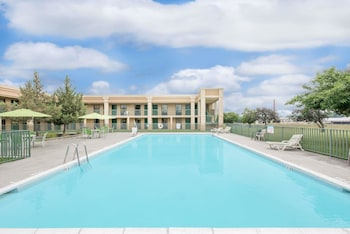 約克約克溫德姆戴斯套房飯店的相片
