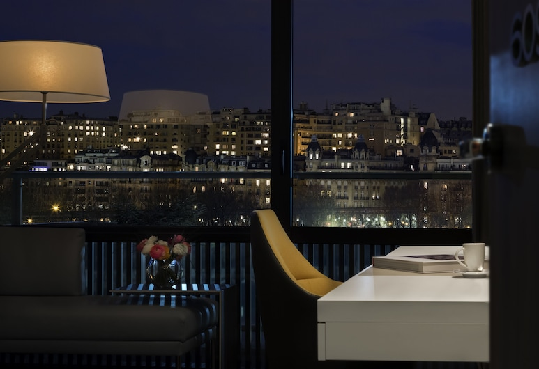Pullman Paris Tour Eiffel, París, Habitación Deluxe, 1 cama King size, balcón, con vista, Vista de la habitación
