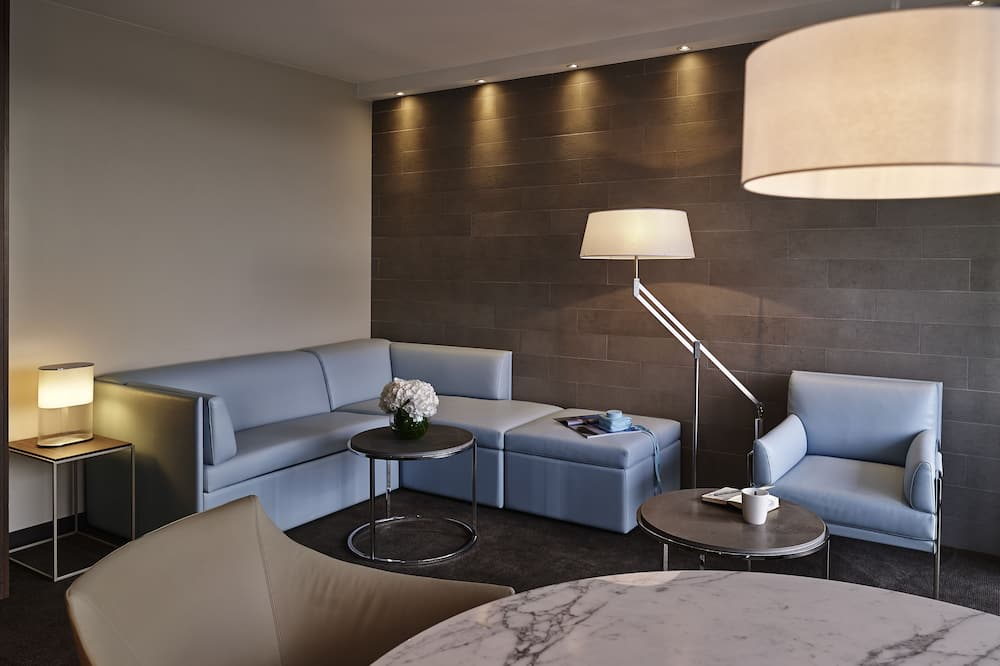 Suite, 1 cama King size con sofá cama, balcón, con vista (Eiffel Tower View) - Sala de estar