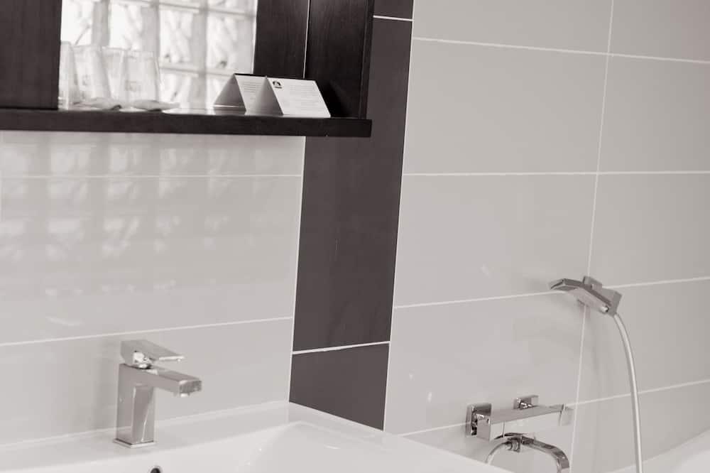 Izba typu Superior, 1 dvojlôžko, nefajčiarska izba (Larger Room) - Kúpeľňa