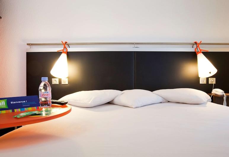 ibis Styles Paris République, Paris, Standard Double Room, Guest Room