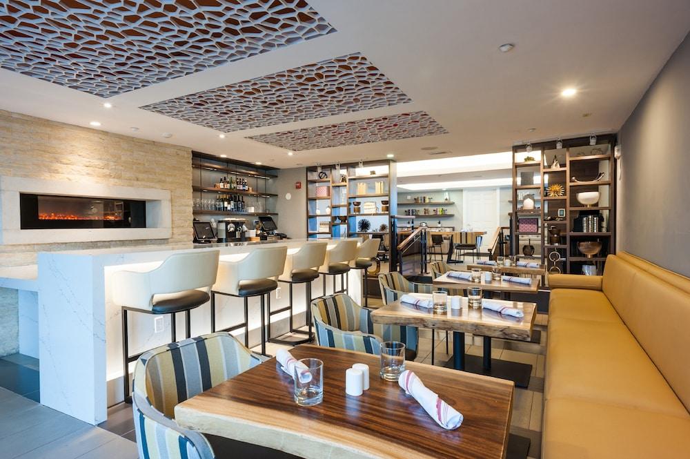 Book Hotel Indigo Napa Valley in Napa Hotelscom