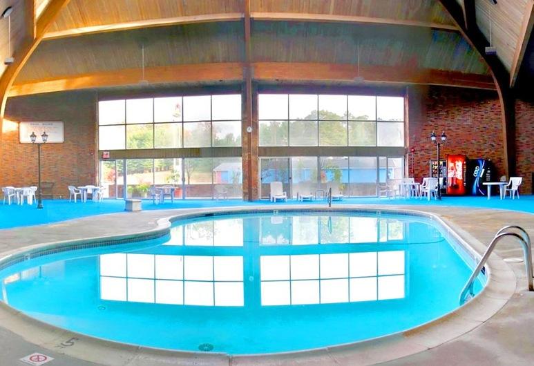 دايز إن لندن, لندن, حمّام سباحة داخلي