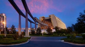 Lake Buena Vista bölgesindeki Disney's Contemporary Resort resmi