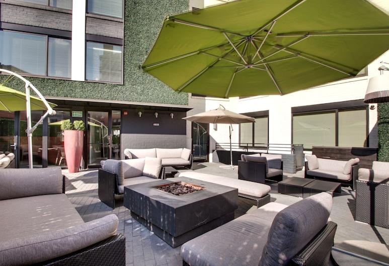 Avenue Suites, Washington