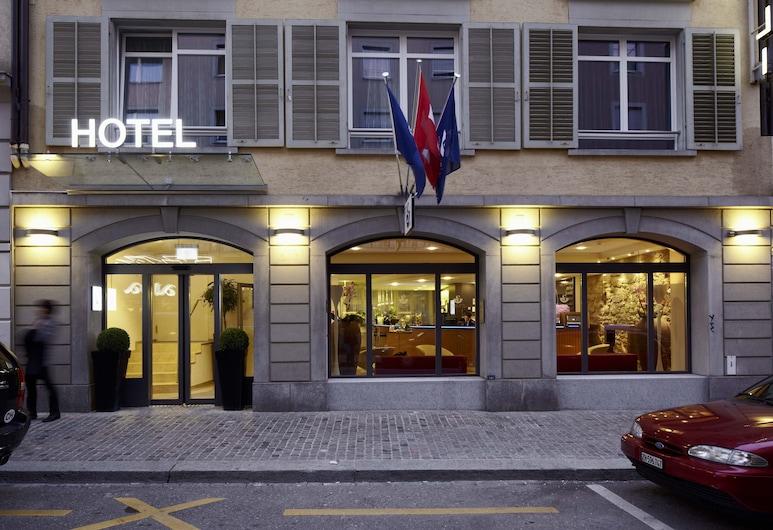 Sorell Hotel Rütli, Zürich, Standard Room, 1 King Bed, City View, Hotel Entrance