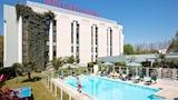 Book this Free wifi Hotel in Pau