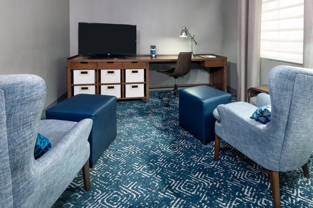 Žemesnės liukso klasės numeris, 1 labai didelė dvigulė lova, Nerūkantiesiems - Svetainės zona