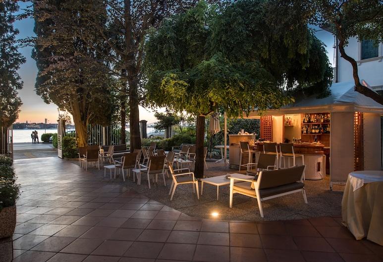 هوتل فيلا مابابا, البندقية, بار الفندق