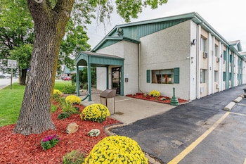 Book this In-room accessibility Hotel in Appleton