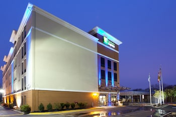 Book this Pool Hotel in Hyattsville