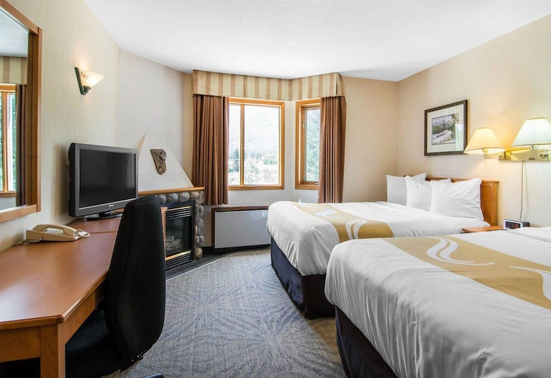 Quality Resort Chateau Canmore, Canmore, Suite (2 Queen Beds and 1 Sofabed), Bilik Tamu