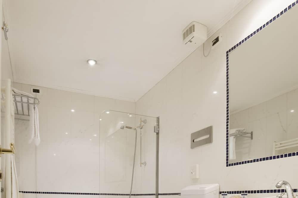 Camera Superior con letto matrimoniale o 2 letti singoli, vista canale - Bagno