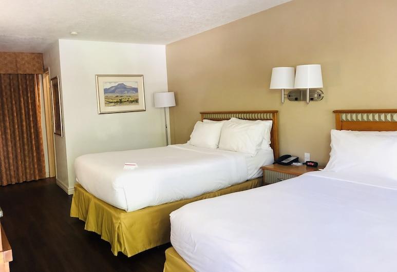 SureStay Plus Hotel by Best Western Albuquerque I40 Eubanks, אלבקרקי, חדר סטנדרט, 2 מיטות קווין, ללא עישון, מקרר ומיקרוגל, חדר אורחים