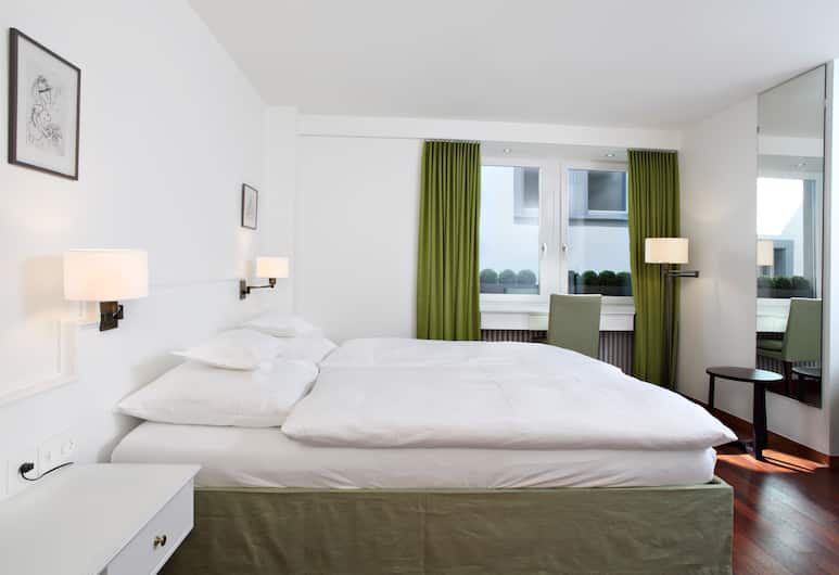 Helmhaus Swiss Quality Hotel, Zürich, Boutique Double Room, Guest Room