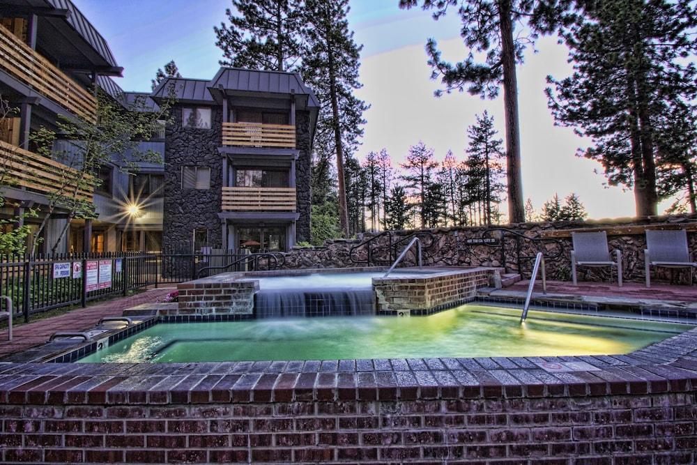 book hotel azure in south lake tahoe. Black Bedroom Furniture Sets. Home Design Ideas