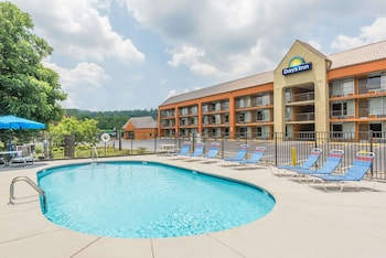 Picture of Days Inn by Wyndham Knoxville East in Knoxville