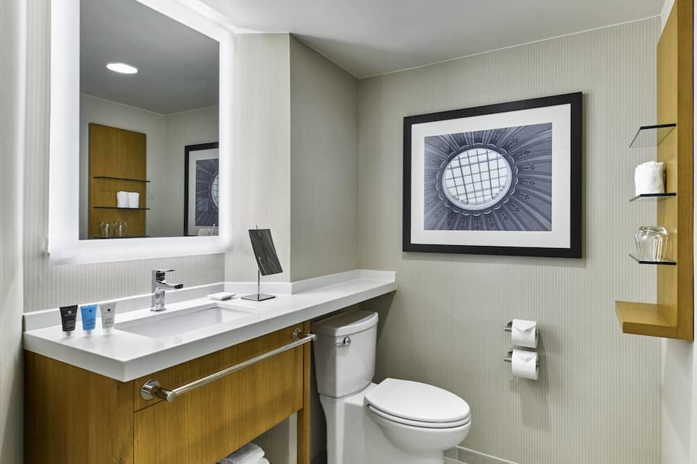 行政套房, 1 張特大雙人床, 非吸煙房, 河景 - 浴室