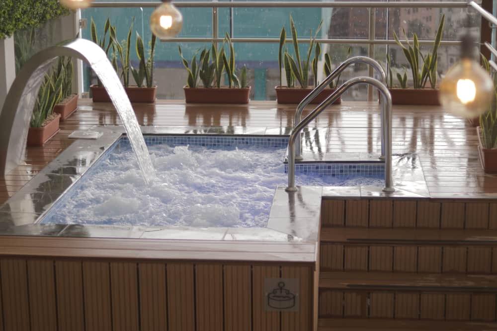 Спа-ванна в помещении