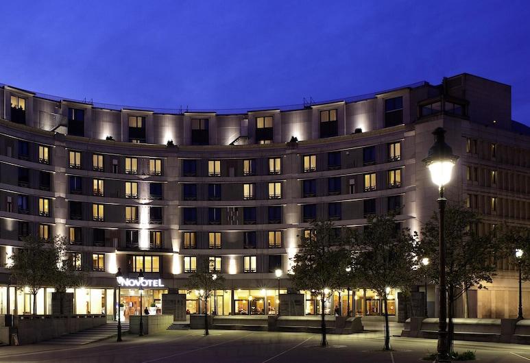 Novotel Paris Gare De Lyon, Parigi, Facciata hotel (sera/notte)