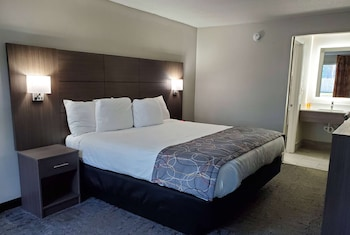Foto van Days Inn & Suites by Wyndham Charleston Airport West in North Charleston