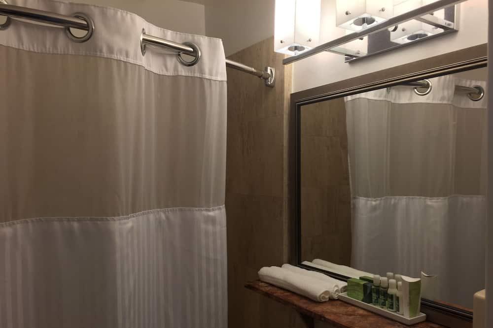Standardna soba - Tuš u kupaonici