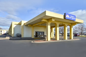 Picture of Americas Best Value Inn Moline in Moline