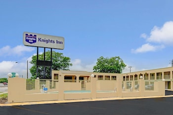 Picture of Knights Inn - San Marcos in San Marcos