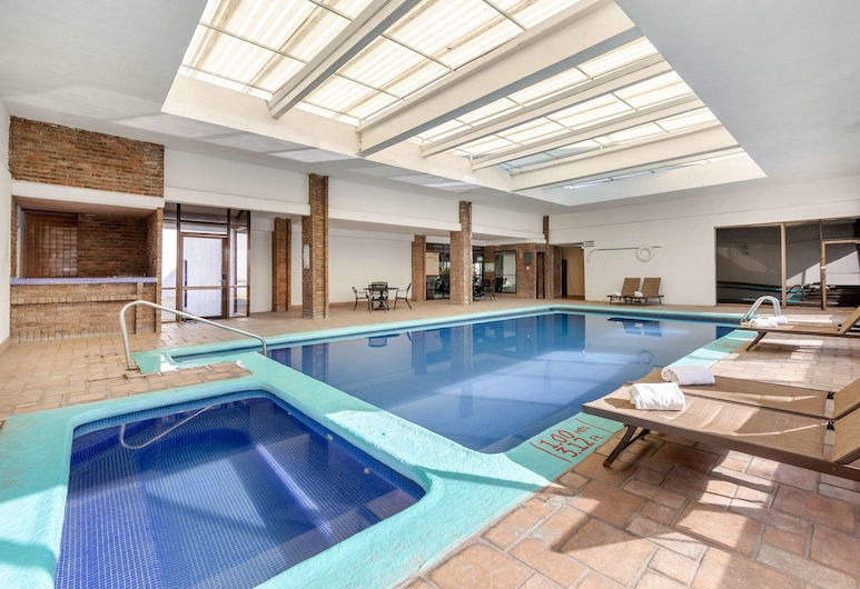 Quality Inn & Suites Saltillo Eurotel, Saltillo, Pool