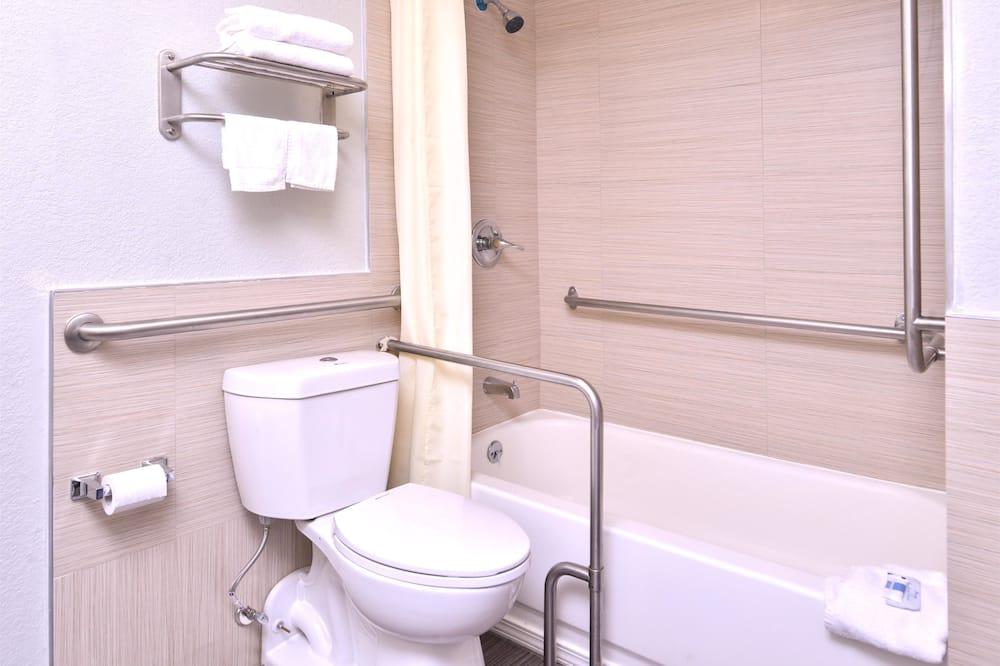 Habitación, 1 cama King size, con acceso para silla de ruedas, para fumadores - Baño
