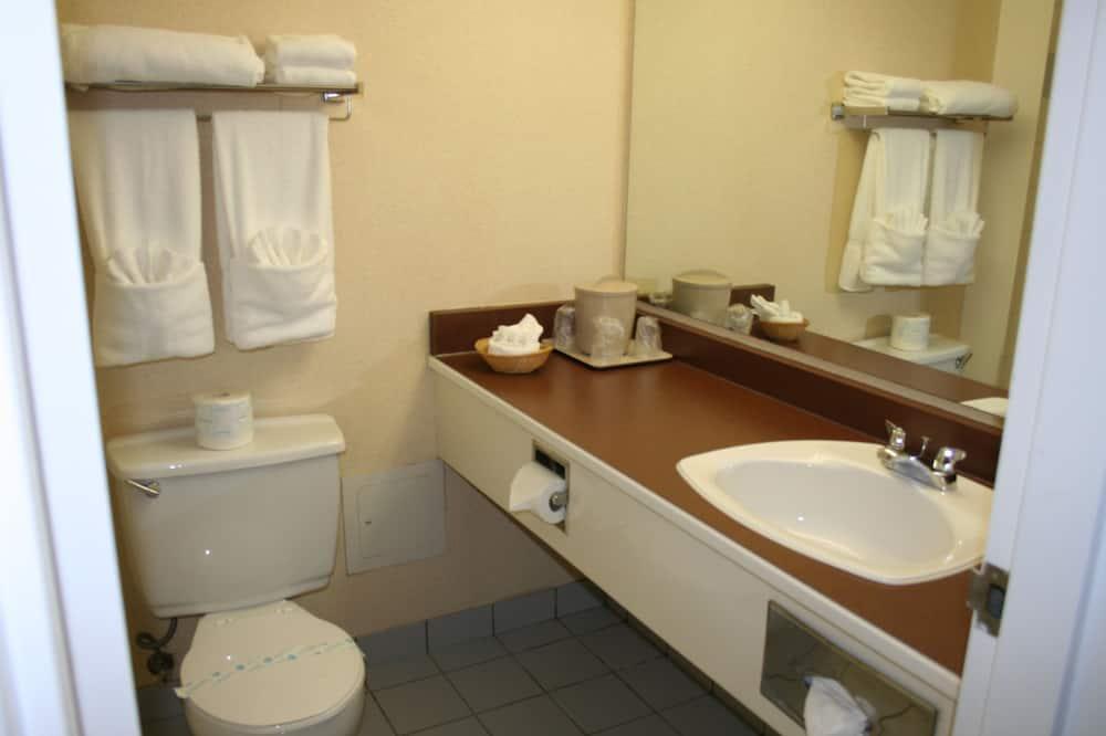חדר זוגי, 2 מיטות זוגיות - חדר רחצה