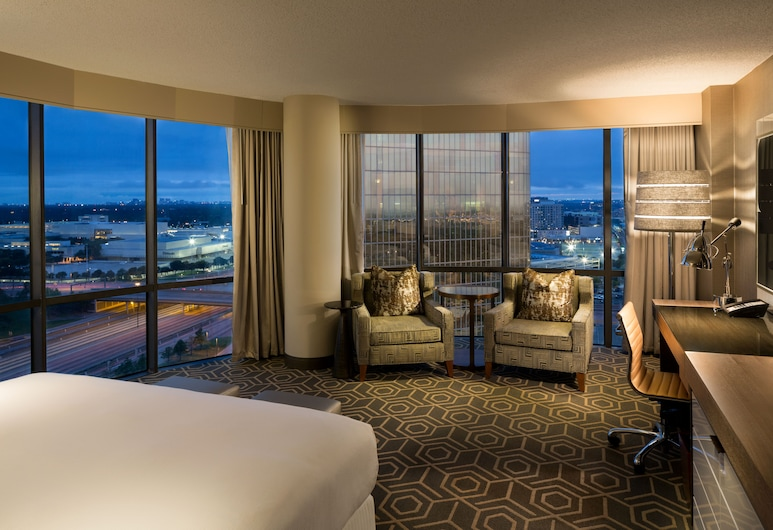 DoubleTree by Hilton Hotel Dallas - Campbell Centre, Dallas, Zimmer, 1 King-Bett, Zimmer