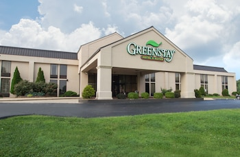 Picture of Greenstay Hotel & Suites in Springfield