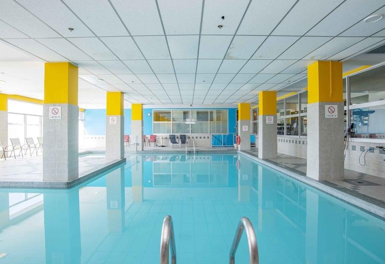 Sandman Hotel Montreal-Longueuil, Longueuil, Indendørs pool