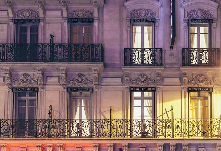 Hôtel Excelsior Opéra, Paris, Façade de l'hôtel