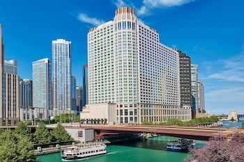15 Closest Hotels To Navy Pier In Chicago Hotels Com