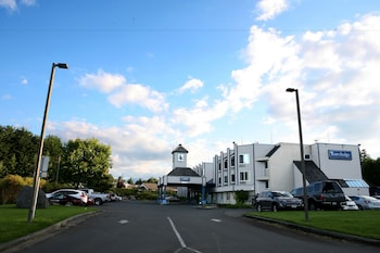Picture of Travelodge Parksville in Parksville